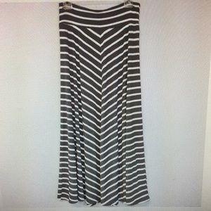 AB Studio Maxi Skirt Grey & White Stretchy
